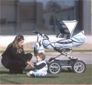 Первый транспорт малыша: выбор коляски