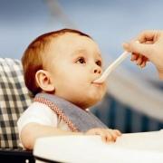 Режим кормления ребенка до года