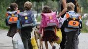 Надо ли сопровождать ребенка в школу?