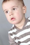 Как закапать глаза ребенку