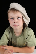 Плохой рост волос у ребенка: причины и возможное лечение