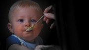 Как правильно хранить детскую еду