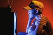 Что делать, если ребенок постоянно смотрит телевизор