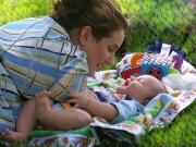 Общение мамы с крохотным младенцем
