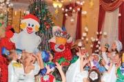 Как весело встретить новый год большой компанией с детьми