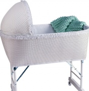 Где должна стоять кроватка новорожденного