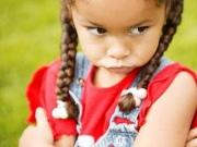 Что делать, если ребенок царапается и кусается
