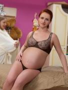 Красивое женское белье для беременных