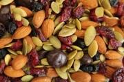 Орехи, семечки и сухофрукты: зимние витамины спешат на помощь
