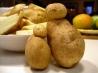 Картофельные дольки под сметанным соусом
