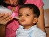 Как сцеживать и хранить грудное молоко
