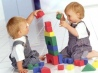 Нужно ли учить ребенка играть?