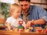 Поощрение ребенка игрушками: вред или польза