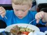 Праздничное застолье: как не навредить малышу